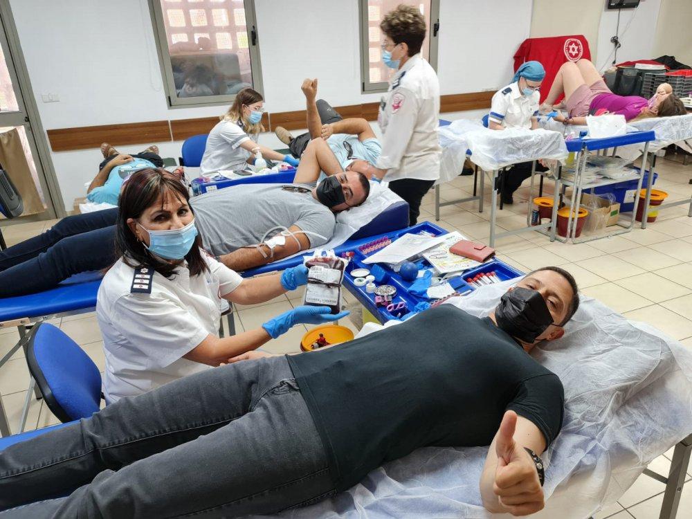 עשרות תושבי באר שבע הגיעו לתרום דם